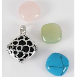 Stříbrný přívěsek s vyměnitelným kamenem