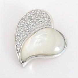 Stříbrný přívěsek s perletí a zirkony srdce