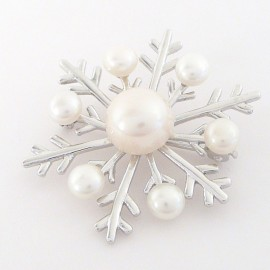 Stříbrná brož s perlami vločka