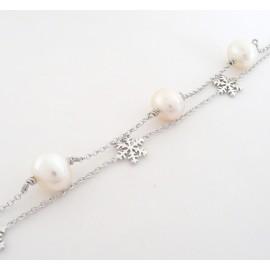 Stříbrný náramek s perlami a vločkami