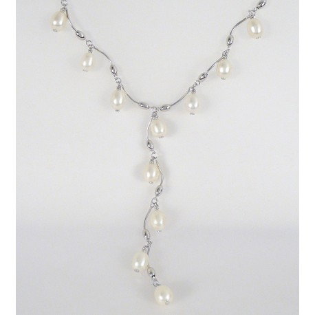 Stříbrný náhrdelník s perlami