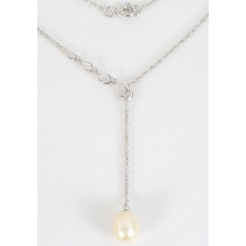Stříbrný náhrdelník s perlou