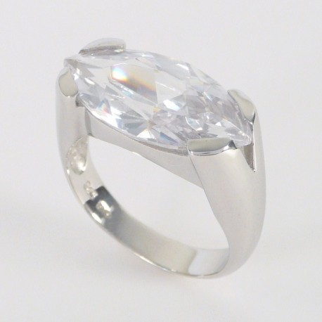Stříbrný prsten se zirkonem