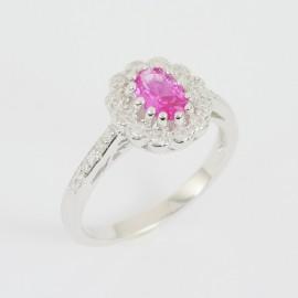 Stříbrný prsten s korundem a zirkony