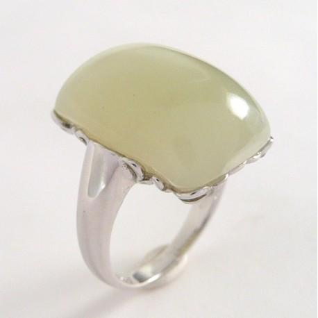 Stříbrný prsten se serpentinem