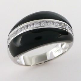 Stříbrný prsten s onyxem a zirkony