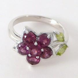 Stříbrný prsten s polodrahokamy