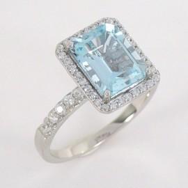 Stříbrný prsten s topazem a zirkony